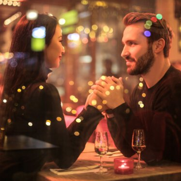 24 Fragen gegen die peinliche Stille beim ersten Date